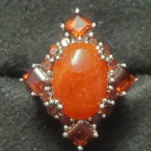 Red Jade 5.48 ct oval w/Vermelho Garnet